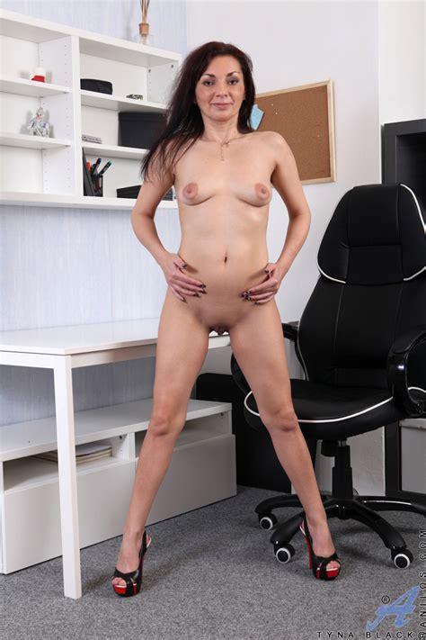 galery phots of naked females jpg 800x1200
