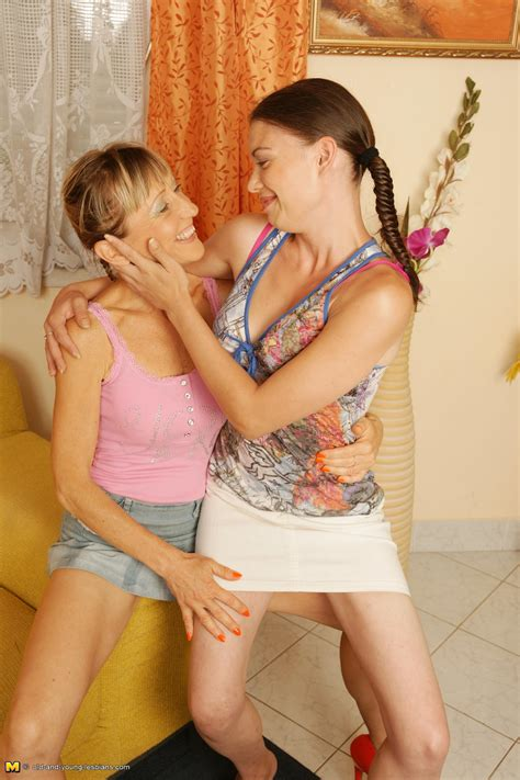 Old young lesbian fucking free mature free moms sex jpg 1260x1890